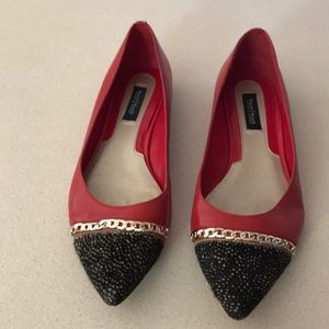 White House Black Market sz 9 red leather flats